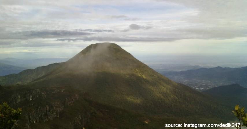 Gunung Gede Pangrango - Gunung yang Buka saat Liburan Akhir Tahun