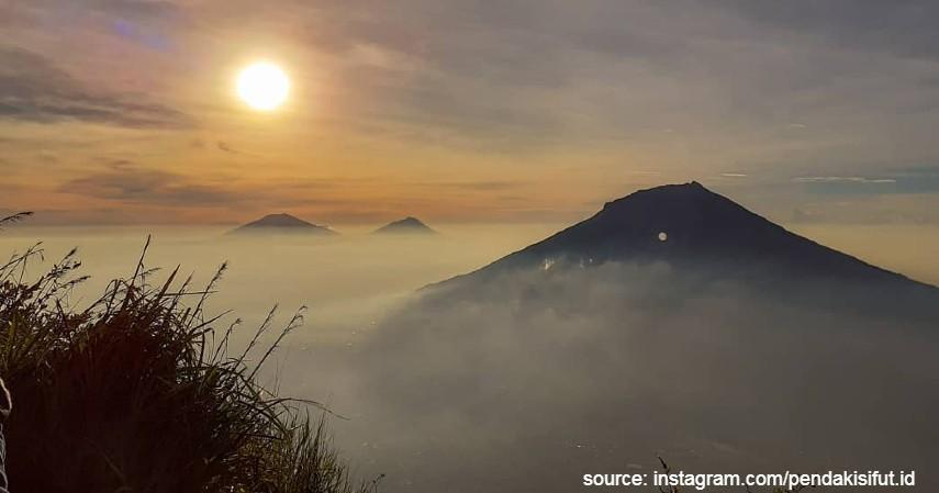 Gunung Sindoro dan Gunung Sumbing - Gunung yang Buka saat Liburan Akhir Tahun