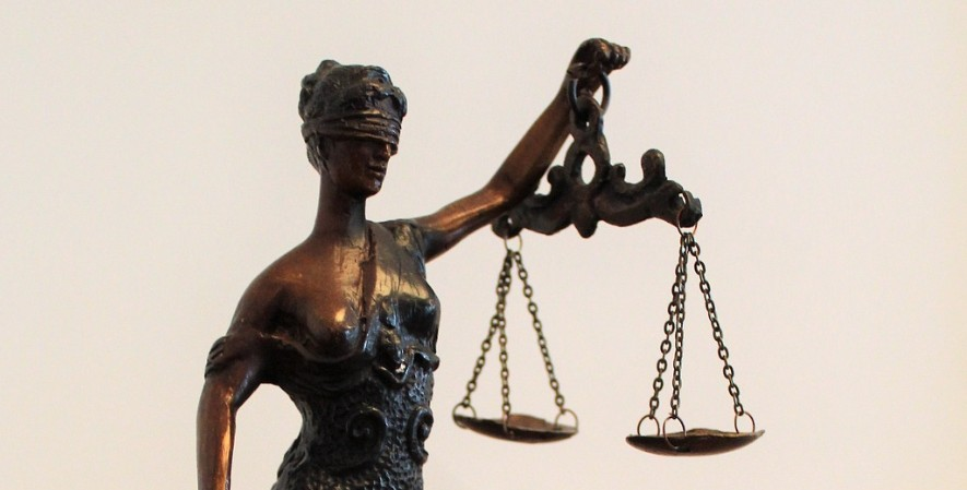 Hak Asasi Peradilan Procedural Rights - Jenis Hak Asasi Manusia Beserta Contohnya