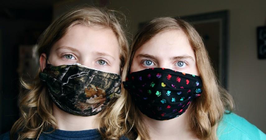 Kapan Anggota Keluarga Perlu Menggunakan Masker di Rumah