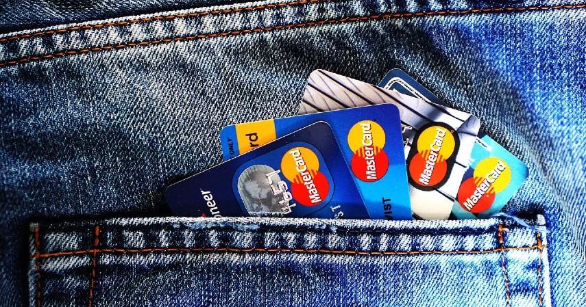 Menggunakan kartu kredit lain - 5 Cara Membuat Kartu Kredit Tanpa Slip Gaji
