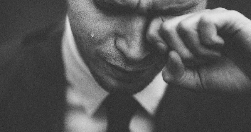 Menjaga kebersihan mata - 8 Cara Mengobati Mata Silinder