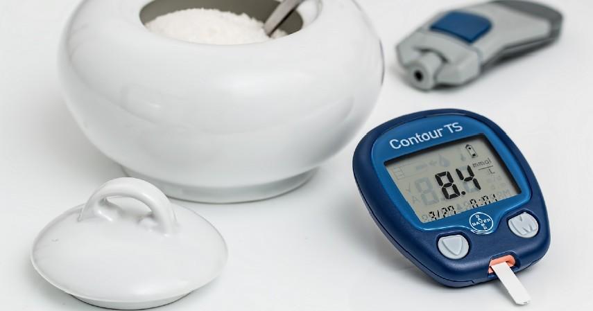 Menurunkan Risiko Diabetes - 11 Manfaat Buah Pir yang Sangat Baik Bagi Kesehatan Tubuh (1)