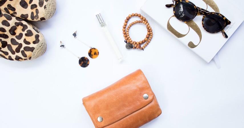 Rekomendasi Ide Hadiah Terbaik untuk Hari Ibu - Baju Aksesoris