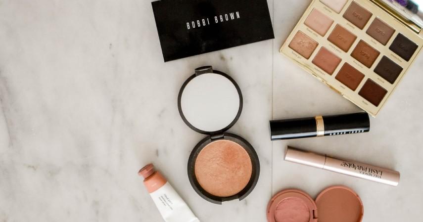 Rekomendasi Ide Hadiah Terbaik untuk Hari Ibu - Make Up Skin Care