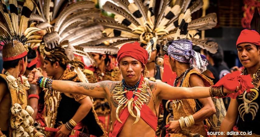 Suku Dayak - 17 Suku di Indonesia yang Wajib Diketahui