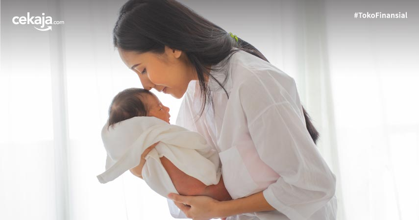 Cara Menggendong Bayi Baru Lahir yang Aman, Bayi Pun Nyaman