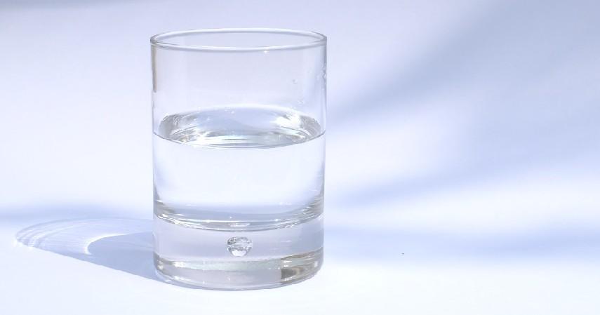 Air Bersih untuk Minum - Barang Utama yang Harus Diselamatkan saat Banjir Melanda!