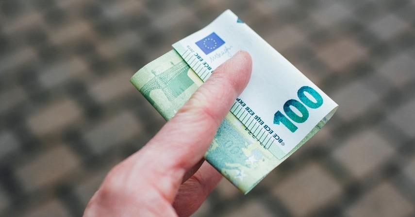 Biaya Keterlambatan - 8 Biaya Kartu Kredit Selain Bunga yang Wajib Diketahui Sebelum Apply