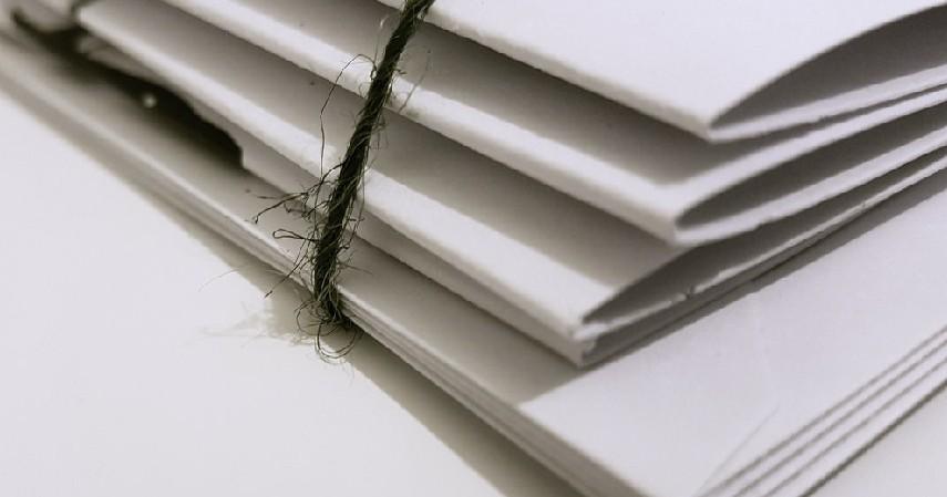 Dokumen Penting - Barang Utama yang Harus Diselamatkan saat Banjir Melanda!