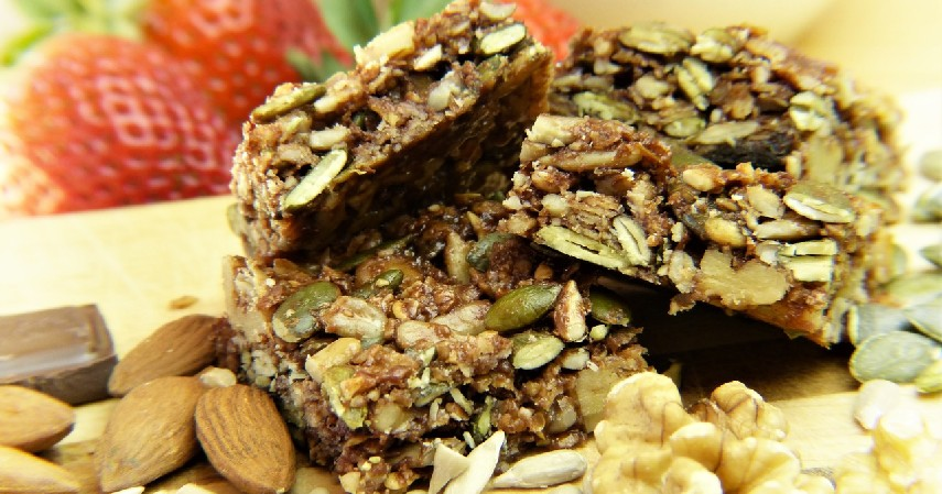 Energy bar - 9 Makanan yang Aman Dikonsumsi sebelum Olahraga