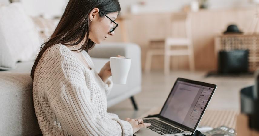 Freelance Writer Penulis Lepas - 9 Usaha Rumahan Tanpa Modal Omzet Jutaan