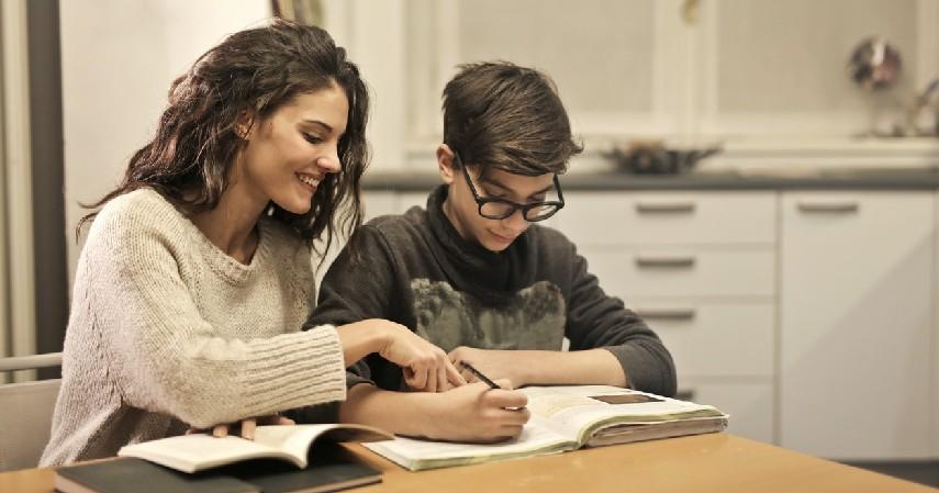 Guru Les - 9 Usaha Rumahan Tanpa Modal Omzet Jutaan