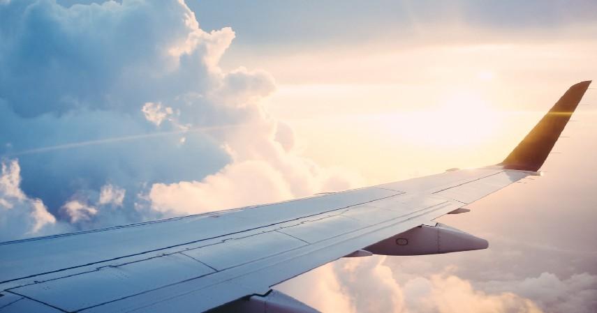 Hindari Hal-hal yang Bisa Menambah Rasa Takut - 7 Cara Mengatasi Fobia Naik Pesawat
