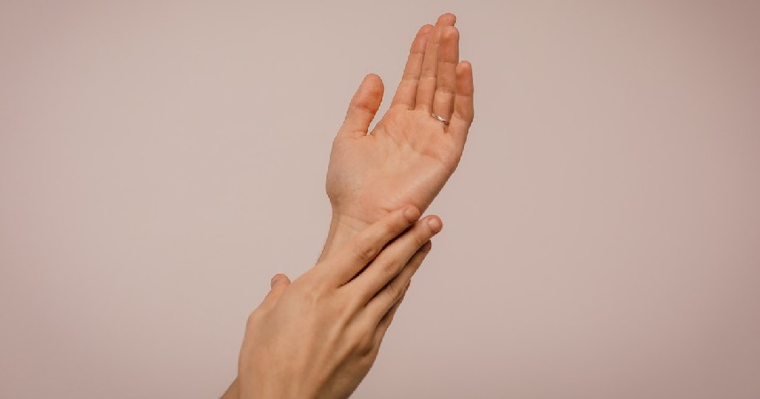 Menjaga kesehatan kulit - 10 Manfaat Kuaci untuk Kesehatan