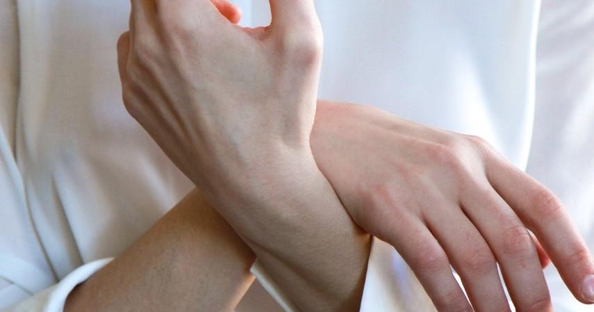 Menyehatkan tulang - 10 Manfaat Kuaci untuk Kesehatan