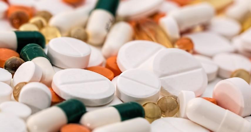 Obat-obatan - Barang Utama yang Harus Diselamatkan saat Banjir Melanda!