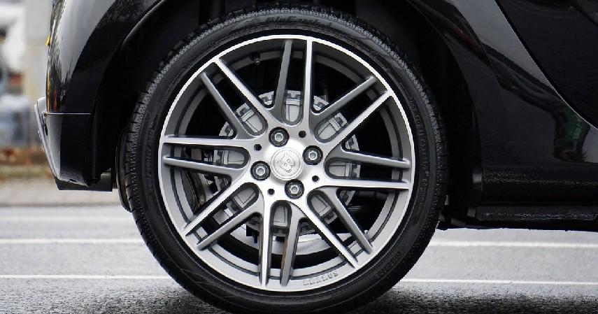 Pilih Ban Sesuai Tipe Jenis Mobil - Tips Membeli Ban Mobil Baru