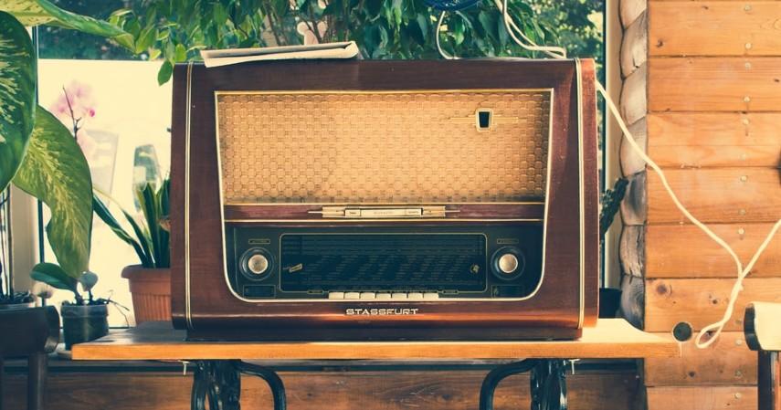 Radio Antik - Peluang Bisnis Barang Antik