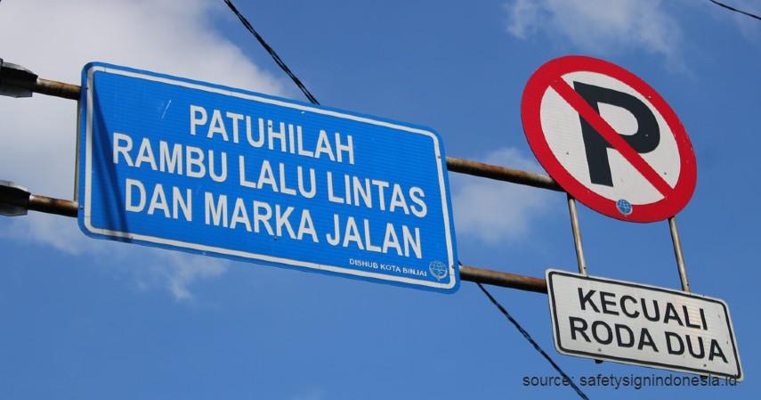 Warna Biru - Perbedaan Rambu Petunjuk Warna Biru dan Hijau di Jalan Raya