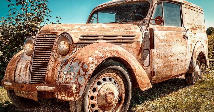 tangki bensin cepat kotor dan berkarat - Bahaya Tangki Bensin Mobil Kosong Perlu Diwaspadai