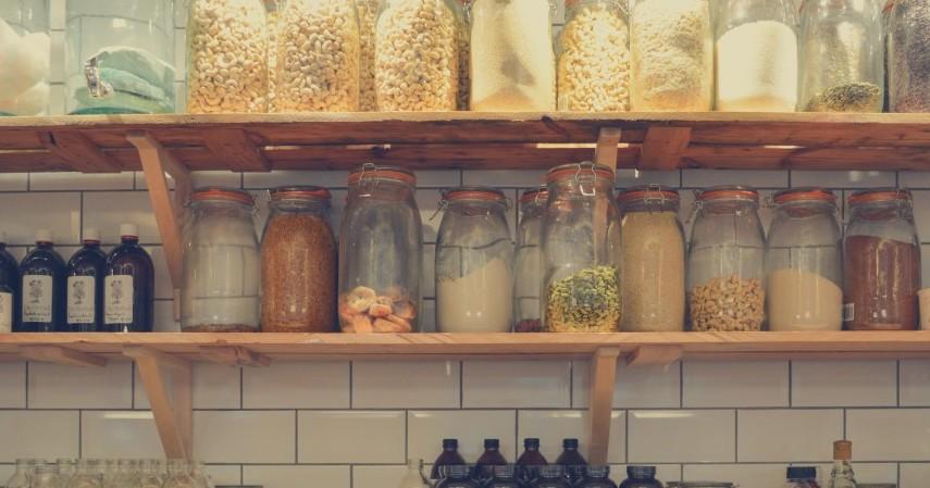 10 Tips Buka Bisnis Sembako dengan Pinjaman JULO - memperhatikan tempat penyimpanan barang dan kebersihan