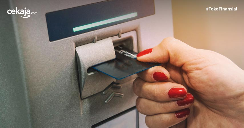 Tarik Tunai Kartu Kredit atau Ajukan Pinjaman Online? Ketahui Dulu Ketentuannya!