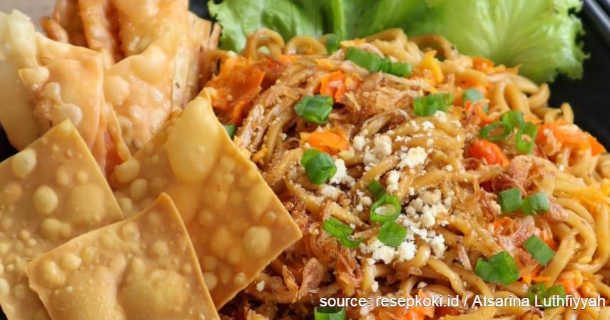 Ide Bisnis Kuliner Kreasi dari Indomie, Modal Kecil Pasti Laku - Mie Setan.jpg