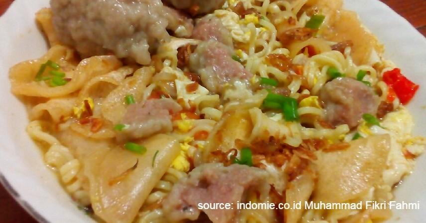 Ide Bisnis Kuliner Kreasi dari Indomie, Modal Kecil Pasti Laku - Seblak Indomie.jpg
