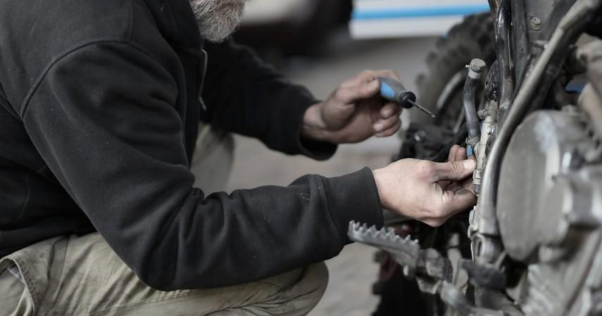 Biaya Servis Mesin Motor - Estimasi Biaya Servis Motor yang Terendam Banjir di Bengkel Resmi