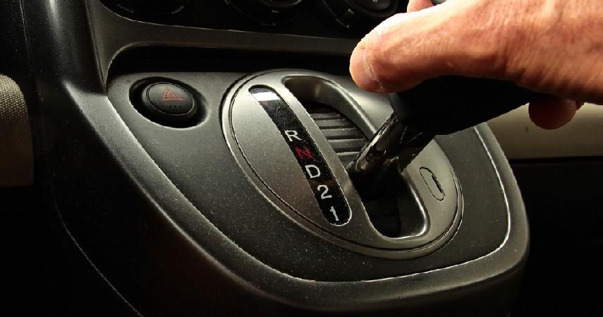 Cara Mengoperasikannya - 5 Cara Membedakan Mobil Matic Dan Manual