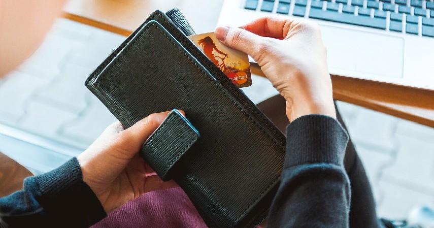 Iuran tahunan mahal - Keuntungan dan Kerugian Menaikkan Limit Kartu Kredit