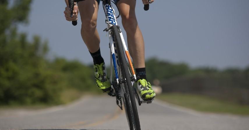 Mengayuh Sepeda dengan Cepat - Olahraga yang Bisa Bantu Memperpanjang Usia dan Menurunkan Risiko Kematian Dini