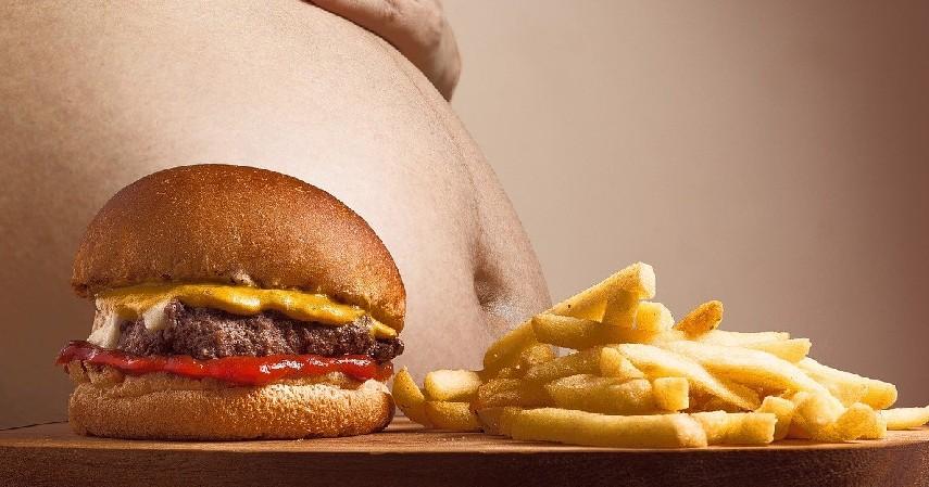 Obesitas - 5 Bahaya Mengonsumsi Makanan Berminyak