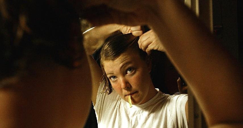Sisir rambut - 10 Cara Merawat Rambut Wanita Berhijab
