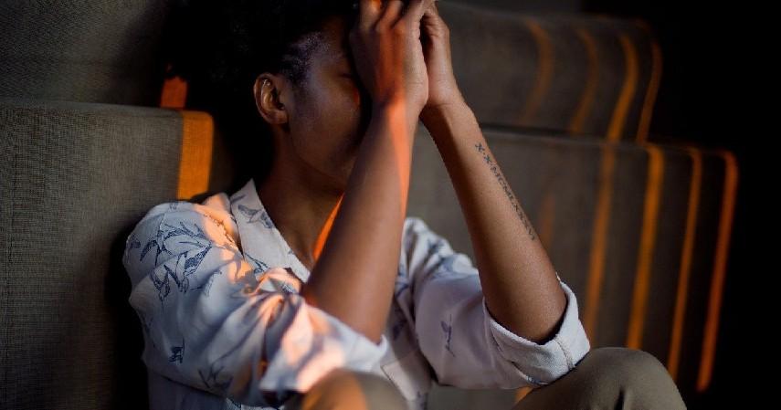 Terlalu Stress - 6 Penyebab Penuaan Dini pada Wajah