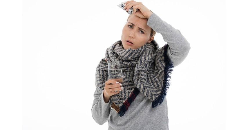 Tertular atau Menularkan Penyakit - Bahaya Tindik Di Bagian Tubuh