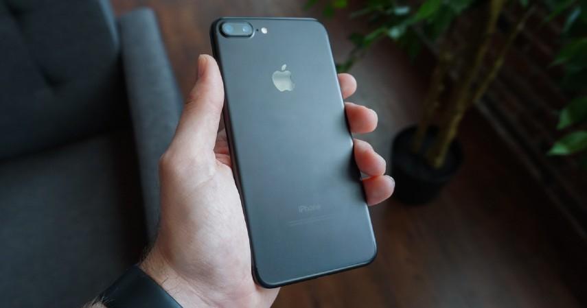 Tips Beli iPhone Bekas Biar Gak Rugi Bandar - Cari Tahu Harga Pasarannya