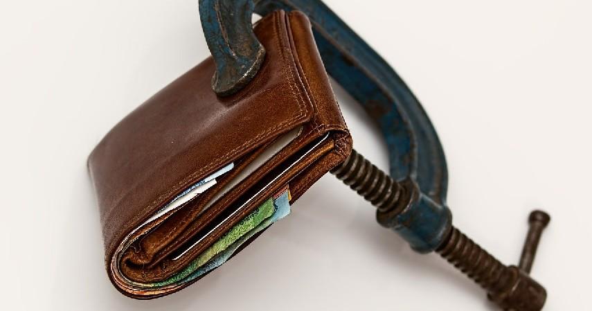 dana yang ditahan - 8 Penyebab Kartu Kredit Decline