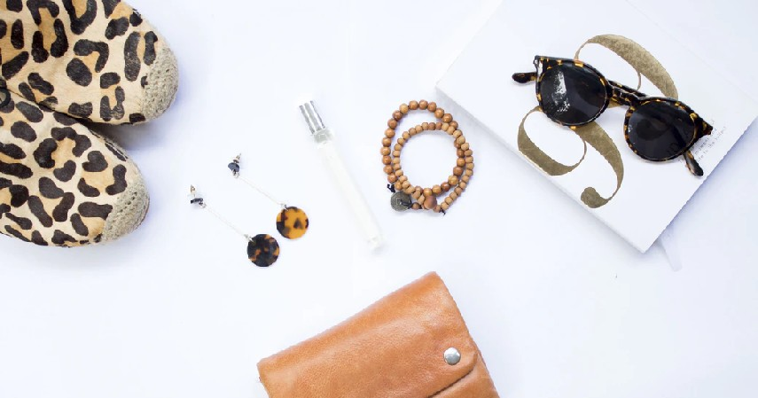 11 Ide Seserahan Lengkap sesuai Bujet untuk Kamu dan Pasangan - Ide seserahan aksesoris
