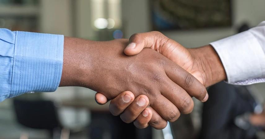 9 Penyebab Karyawan Kena PHKTak Selalu Karena Membuat Kesalahan - Merger atau Pembelian Perusahaan