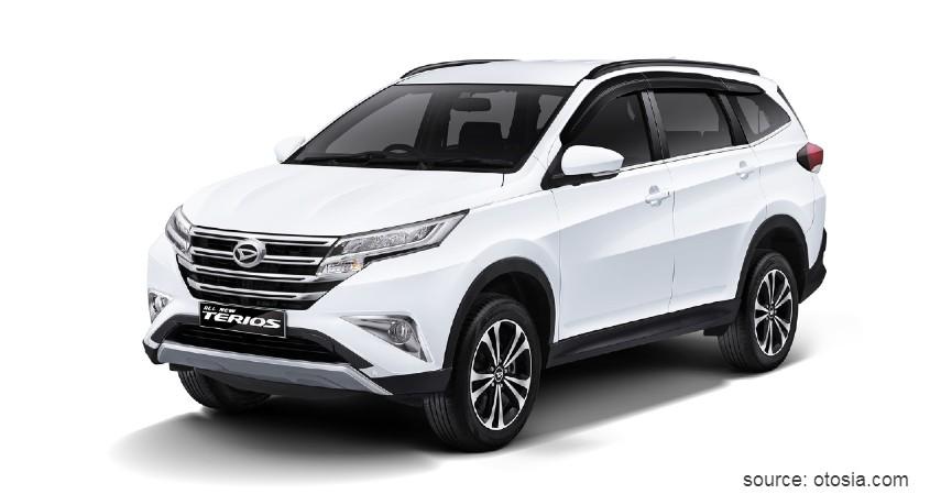 Daihatsu Terios - 10 Mobil Tahan Banjir Terbaik Anti Mogok Walau Terjang Banjir