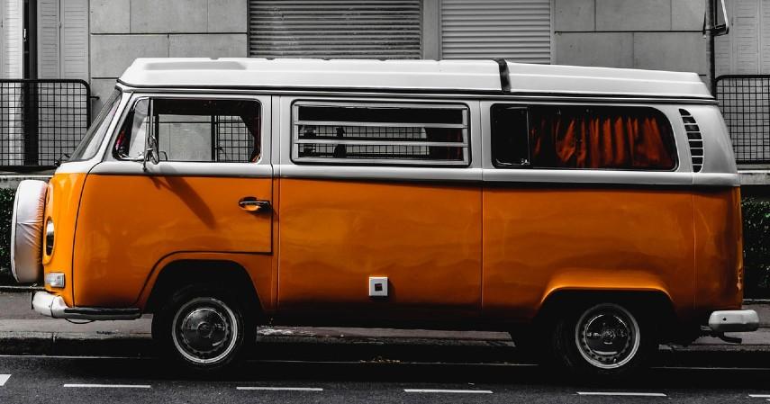 Fakta Aturan Mobil Tua Dilarang Masuk Jakarta