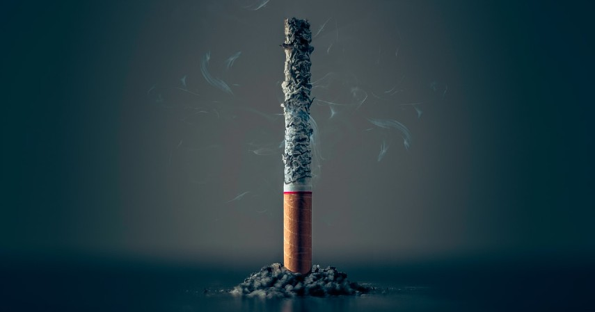 Hentikan kebiasaan merokok - 9 Cara Mencegah Bayi Lahir Cacat