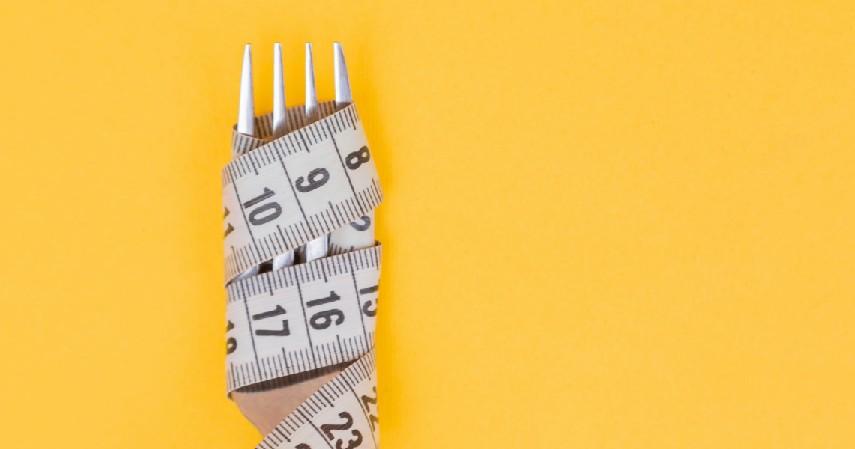 Hindari diet untuk menurunkan berat badan - 9 Cara Mencegah Bayi Lahir Cacat