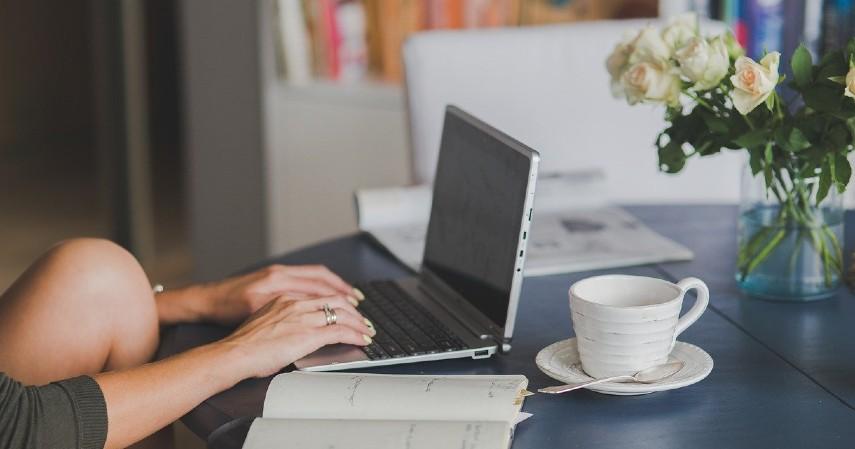 Mencatat Pengeluaran - Tips Mengatur Keuangan Bagi Wanita Karier