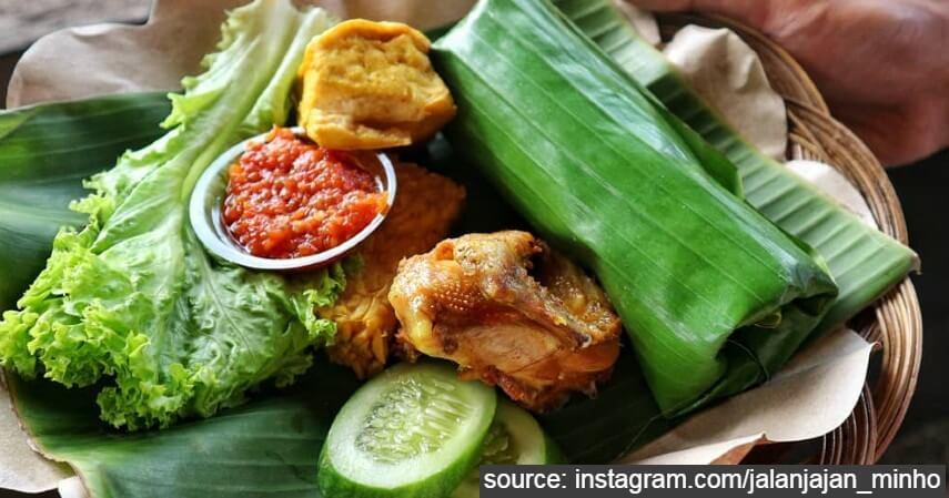 Nasi Timbel - 11 Makanan Khas Bandung Paling Populer dan Lokasi Mencicipinya