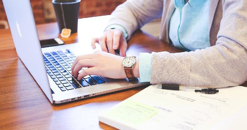 Penulis - Kerja Sampingan untuk Mahasiswa