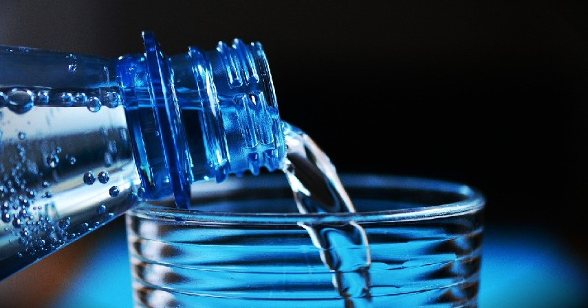 Air Putih - Menu Sahur Sehat untuk Bulan Puasa