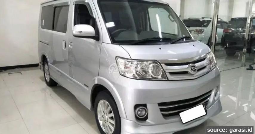 Daihatsu Luxio - 8 Mobil MPV Bekas di Bawah Rp100 Juta